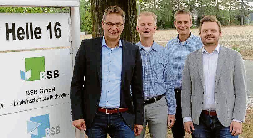 Europaabgeordneter Dr. Peter Liese wurde vom Vorsitzenden der Landwirtschaftlichen Kreisvereinigung Herford, Hermann Dedert, Stellvertreter Bernd Upmeier zu Belzen sowie dem Vorsitzenden der CDU-Kreistagsfraktion, Michael Schönbeck, begrüßt.