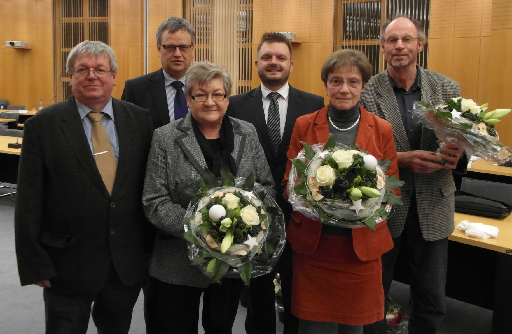 v.l.: Michael Kunst, Carsten Schöneberg, Beate Abke, Fraktionsvorsitzender Michael Schönbeck, Helga Kämper und Friedhelm Eickmann