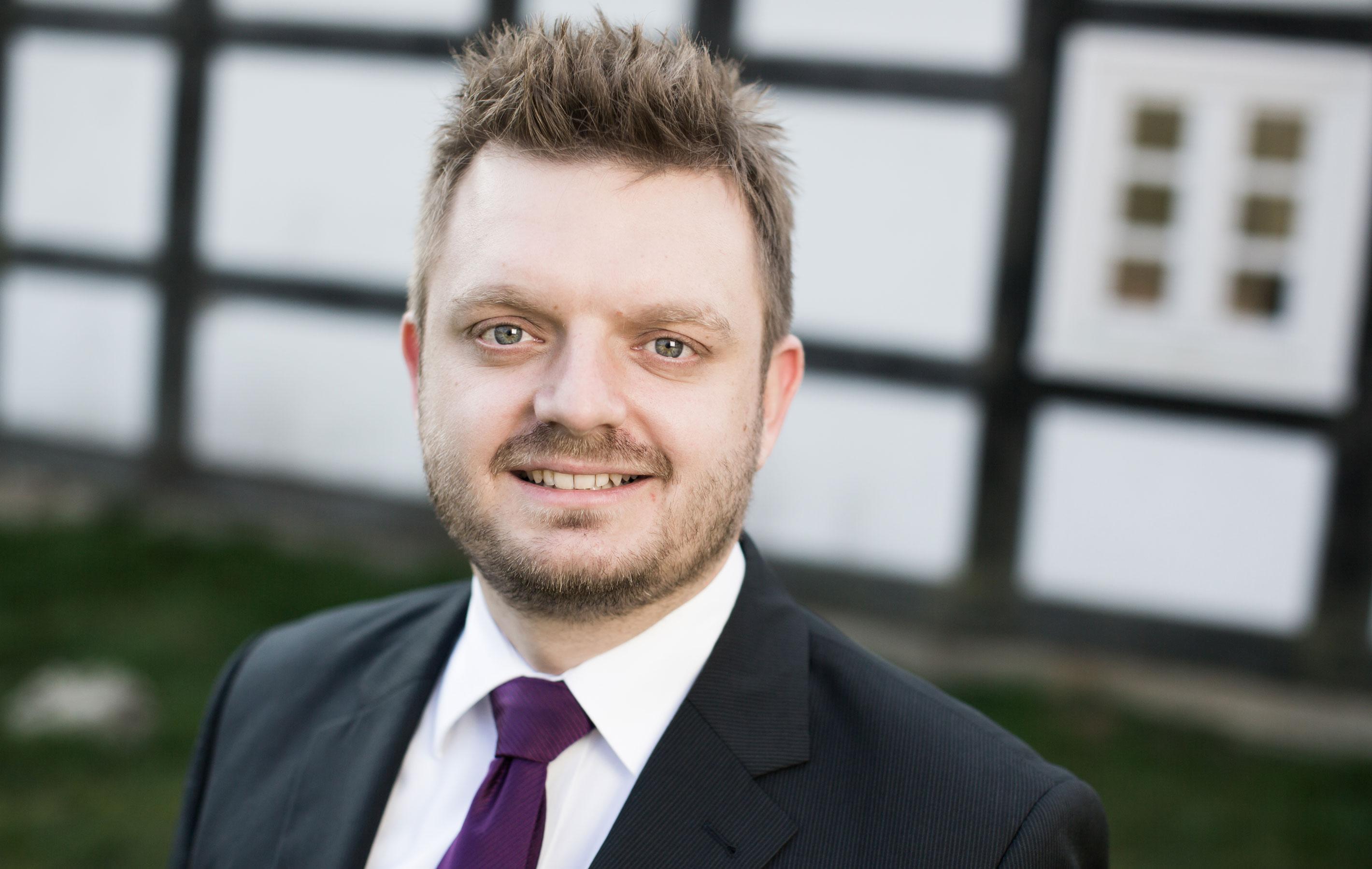 Fraktionsvorsitzender Michael Schönbeck setzt sich für Entlastung der Kommunen ein.