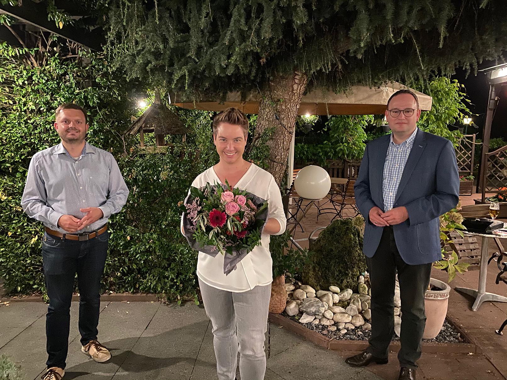 v.l.n.r: Kreistagsfraktionsvorsitzender Michael Schönbeck, Landratskandidatin Dorothee Schuster und Kreisvorsitzender Dr. Tim Ostermann.